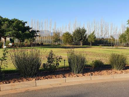 Do you your home like to be private? Vacant plot situated in cul-de-sac, Silwerstrand River & Golf Security Estate